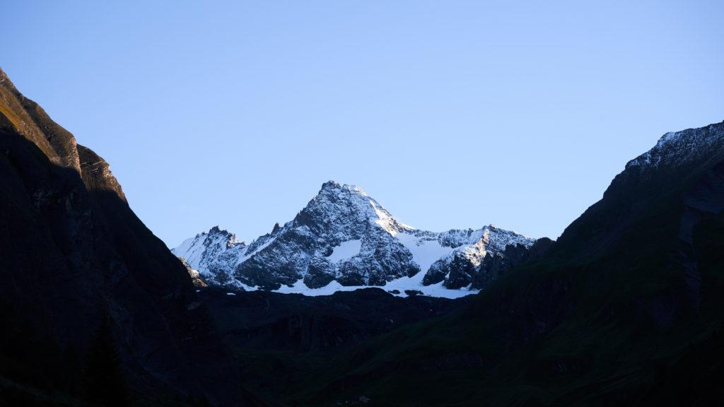 Der erste Blick auf unser hohes Ziel. Den Gipfel des Großglockners.
