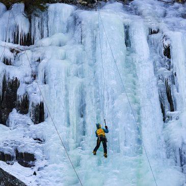 Eisfälle in Krokan, erste Nordlichter, Trailrunning