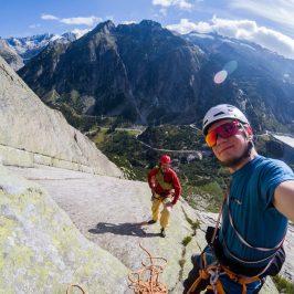 Klettern im Schweizer Granit – volle Platte